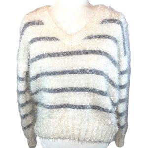 ⏰Pink Rose sz Ivory v neck fuzzy pullover sweater
